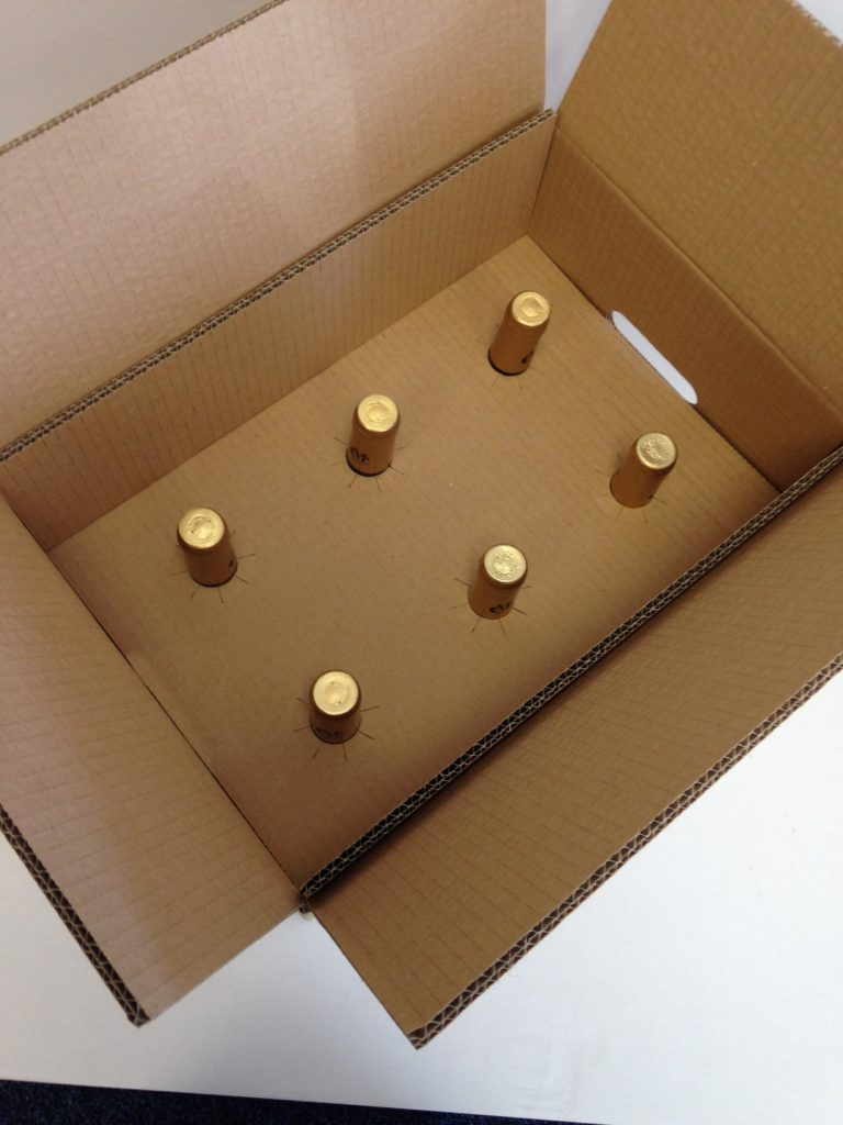 Wine packaging for online sales and courier delivery - Caps Cases